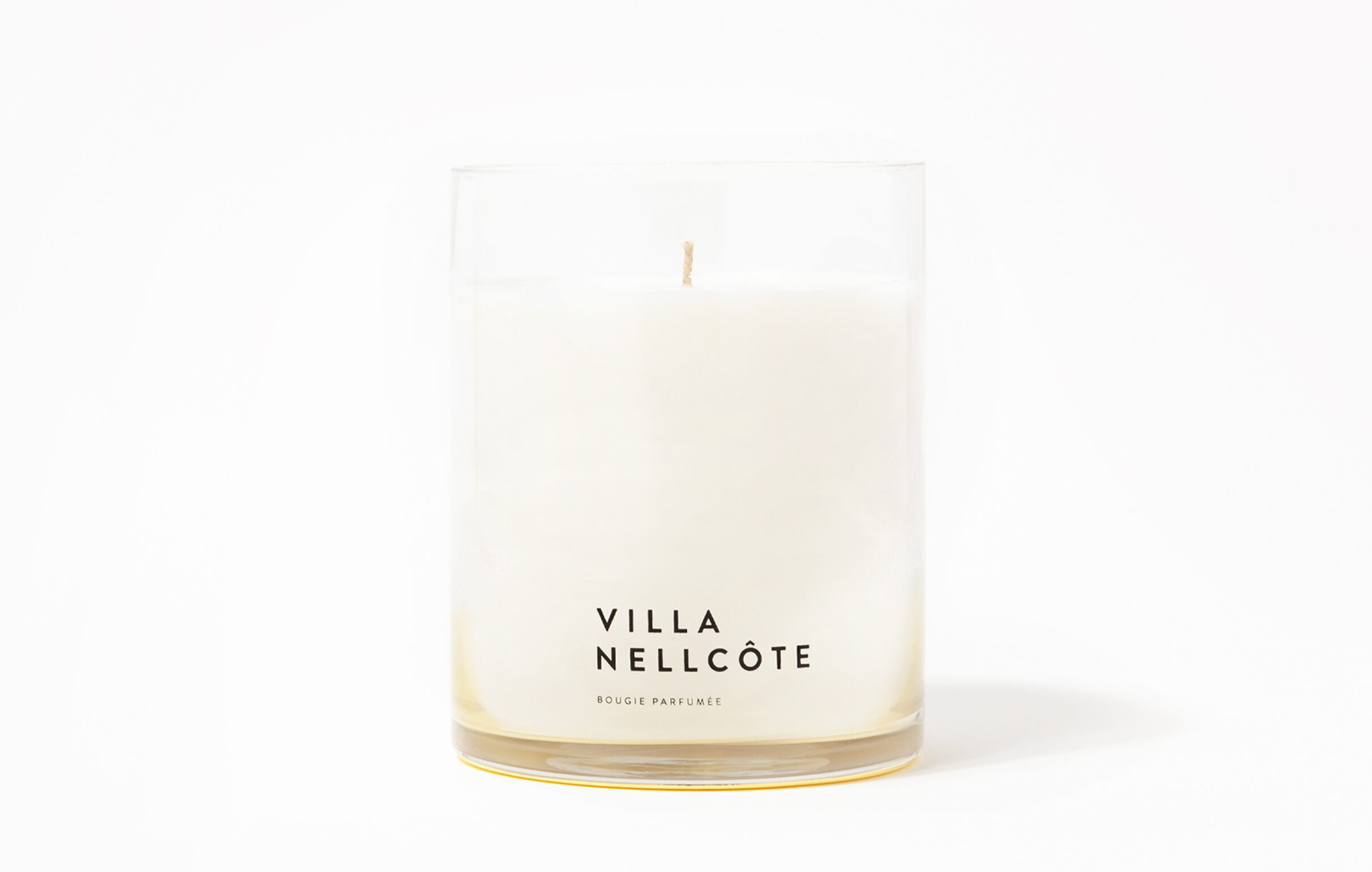 Villa Nellcôte scented candle is based on the estate with the same name, in Villefranche-sur-Mer, France. The fragrance is influenced by the garden and surroundings of the estate mostly associated with the production of one of the most iconic rock albums ever made.