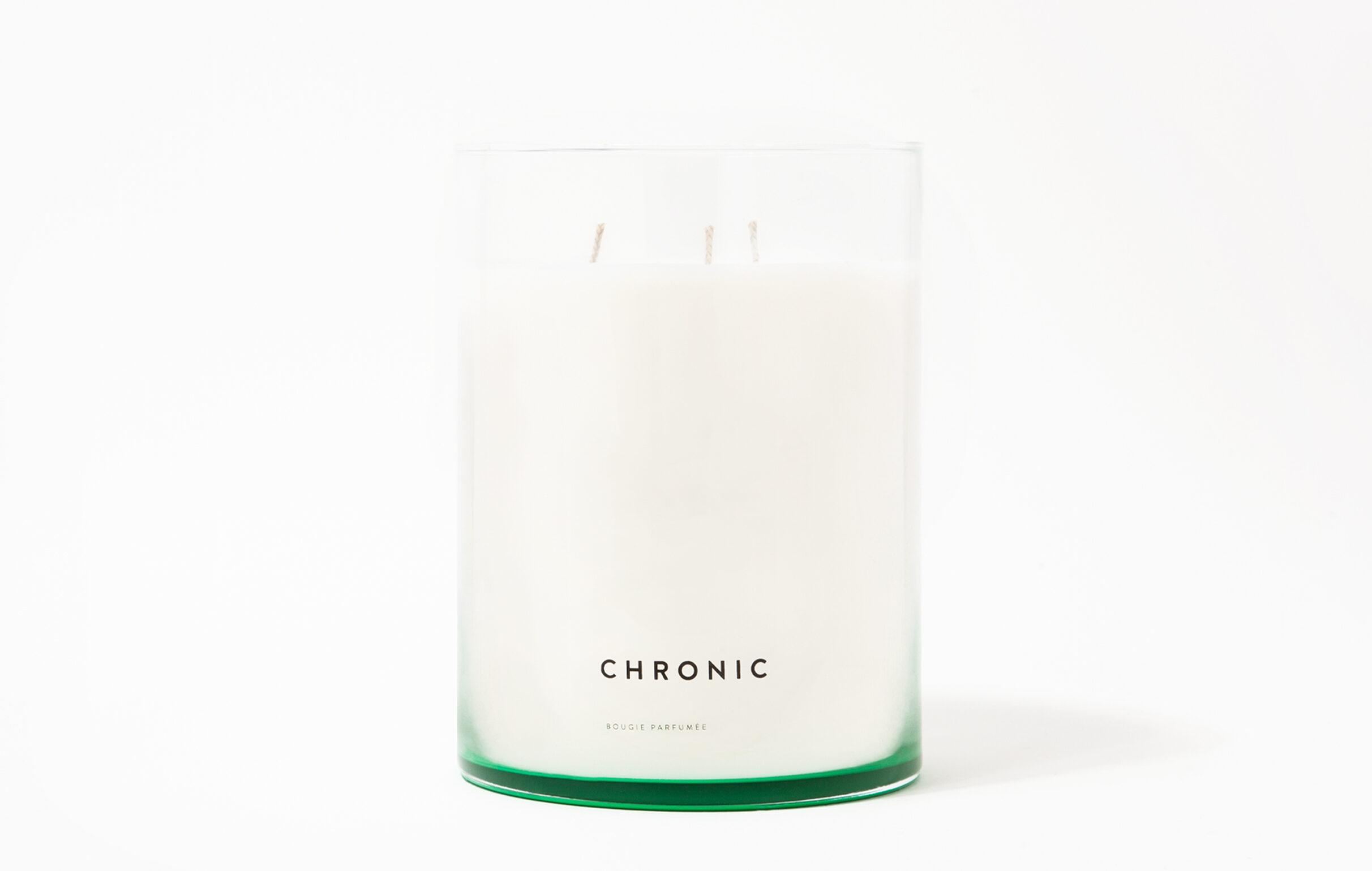Chronic is an acknowledgement of the cannabis cultivation in Southern California during the 90s. Chronic scented candle fragrance notes include Bitter Grapefruit, Cannabis Accord and Moss.